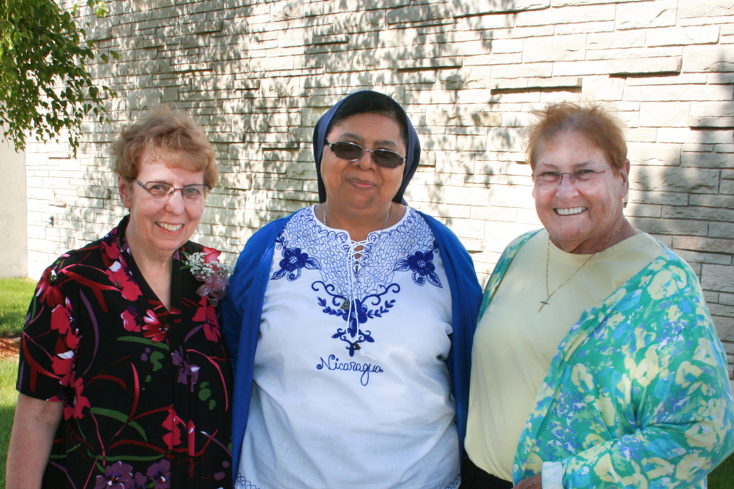 Sisters Sonia Miley, Petrona Herrera, Marie Scott
